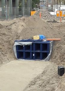 Infiltratiekratten kun je ondergronds bouwen. Daarin wordt regenwater opgevangen. © Domien van der Meijden